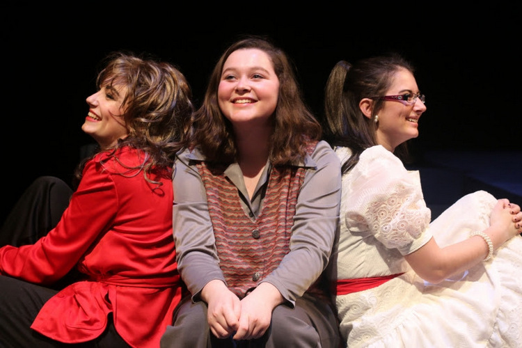 Sarah Baker, Lauren Clapp, and Elise Campbell in Crimes of the Heart